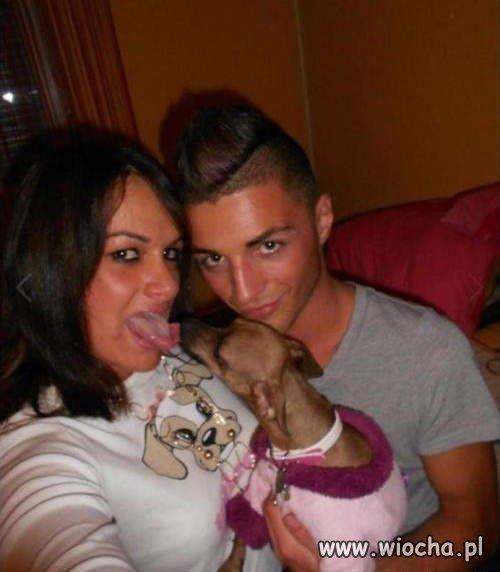 Wybrała psa do lizania się