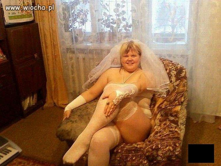Już mi niosą suknię z welonem
