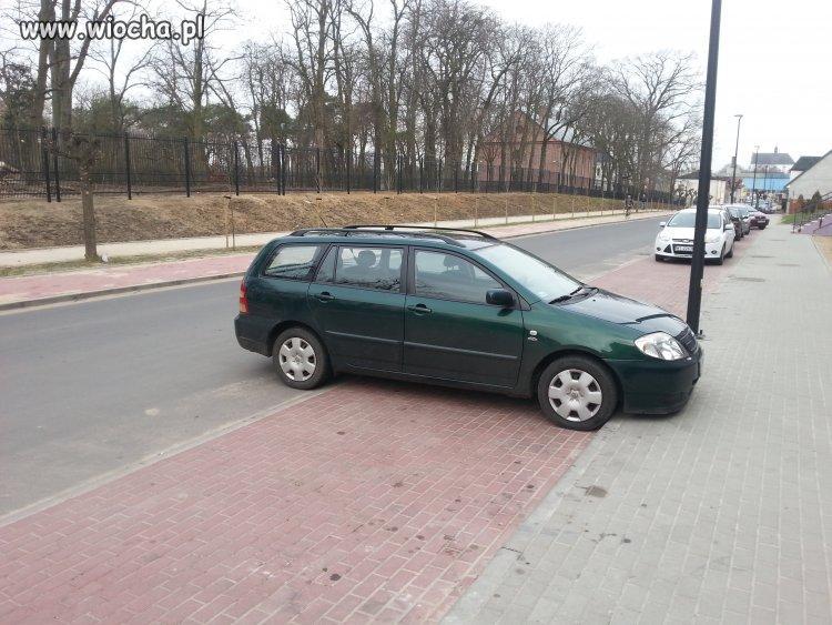 Mistrz parkowania (droga dwukierunkowa)