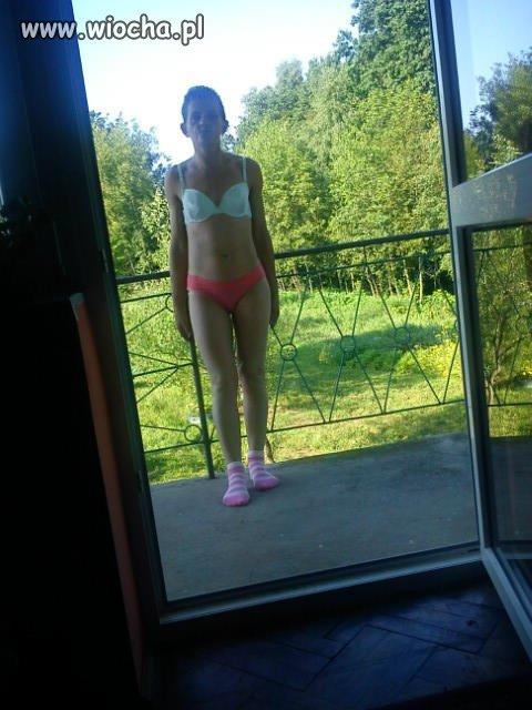 Julia na balkonie
