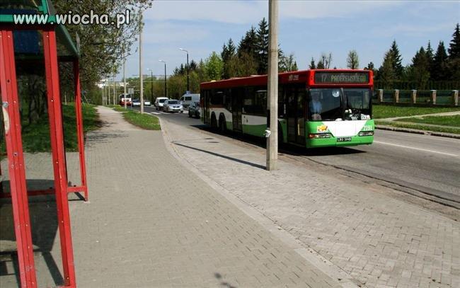 Przystanek autobusowy. Miasto Lublin.