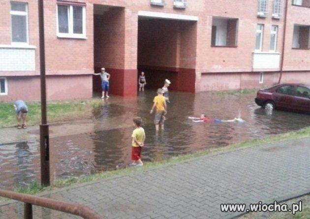 Osiedlowy basen
