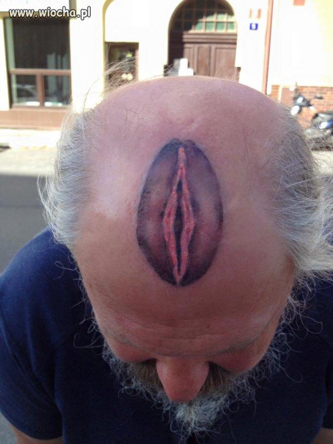 Ten tatuaz jest chu... yyy