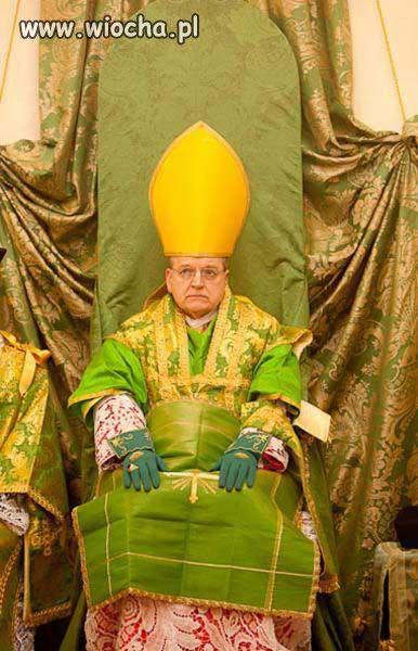 Biskup a prawie jak król.