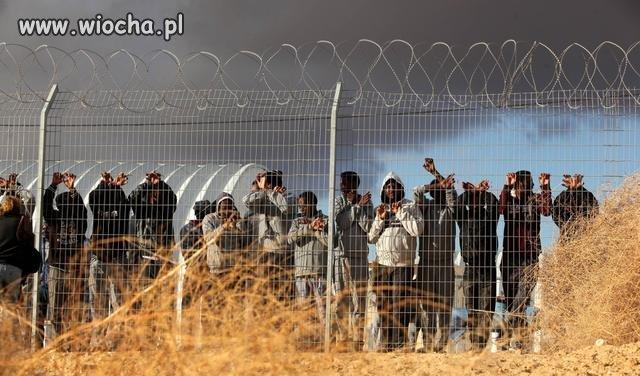 Izrael deportuje ponad 30 tys nielegalnych migrantów...