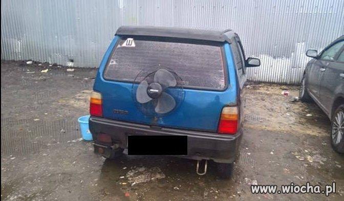 Auto z dodatkowym napędem