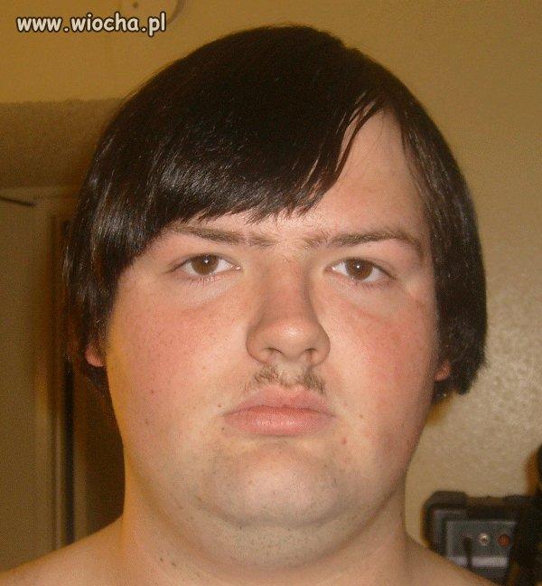 Wąsik na Adolfa