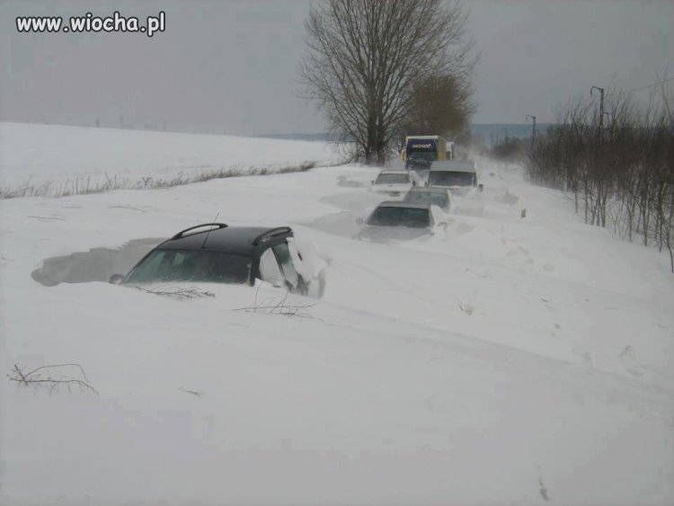 Zima znowu zaskoczyła drogowców ...