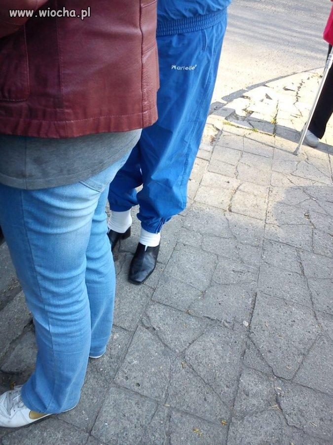 Mówicie zaczyna się sezon na sandały i skarpety?