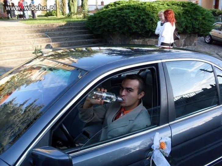 Piję Bolsa za kierownicą...