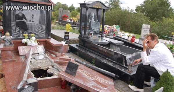 Żeby dewastować i kraść wieńce z grobów...