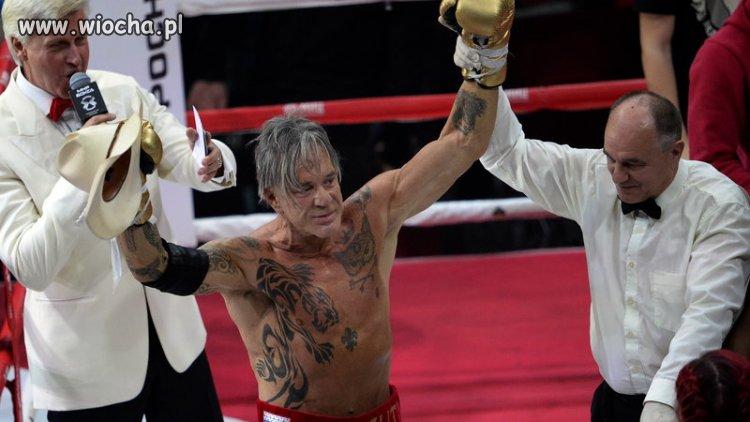 Prawie jak polskie gale bokserskie
