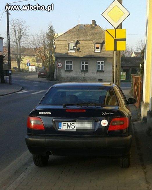 Mistrz parkowania w Sławie.