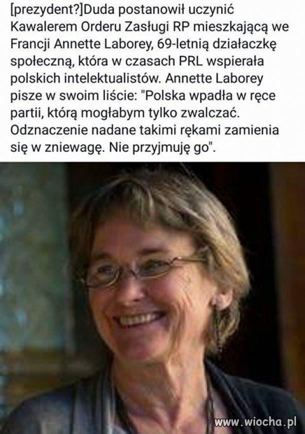 Merci madame Annette Laborey.