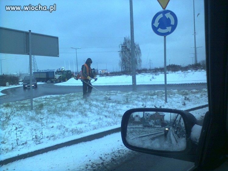 Zima znowu zaskoczyła drogowców