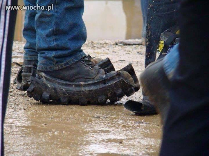 Buty na niepogodę