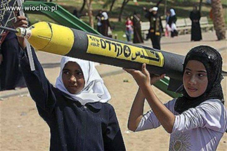 Czego te muslimy uczą dzieci?