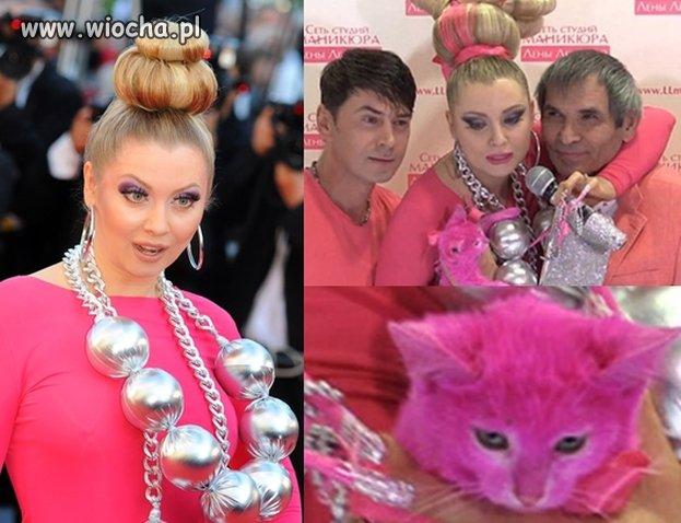 Rosyjska celebrytka ZAFARBOWAŁA KOTA na różowo