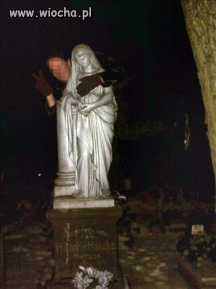 Z cyklu: Debile na cmentarzu