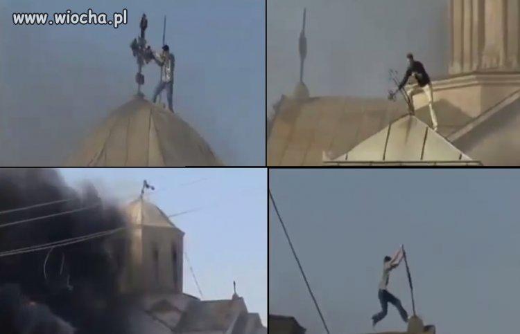 Muzułmanie niszczą katolickie kościoły