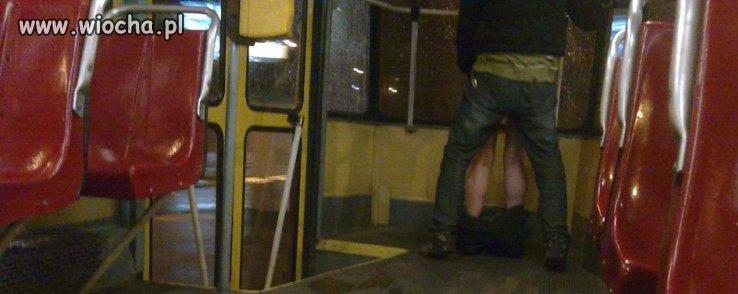 Ruchanie w tramwaju warszawskim