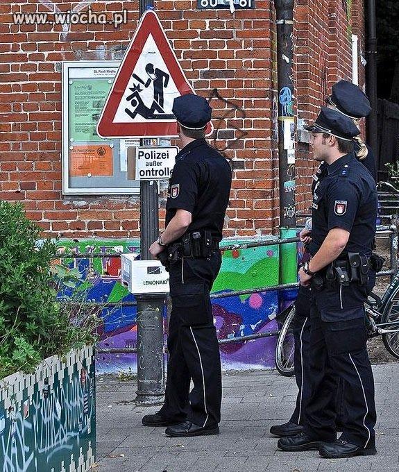 Policja poza kontrol�
