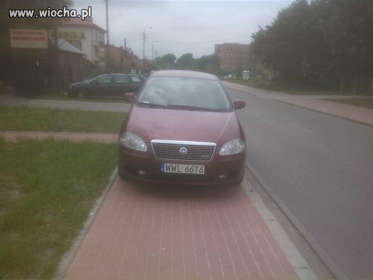 Tak parkuje się w Wołominie