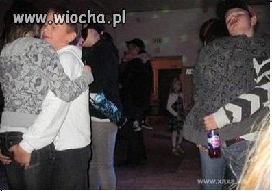 Dzieci Na szkolnej imprezie
