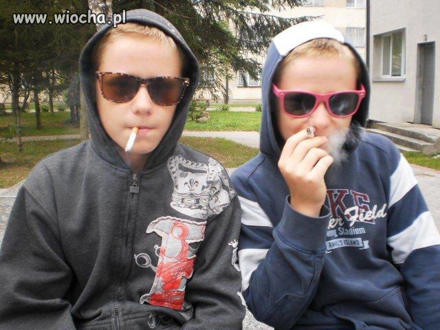 Chwalenie się paleniem na naszej klasie.
