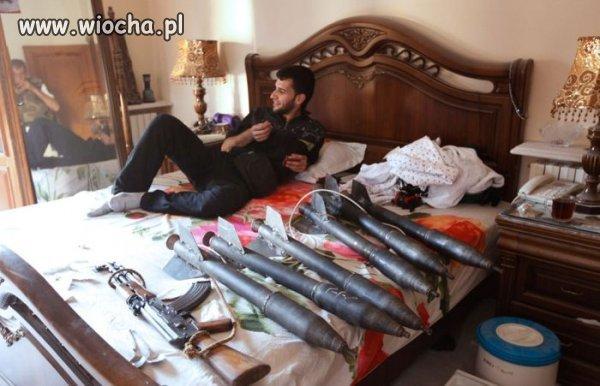Czy Syryjczyk, który ma pociski i kałacha...