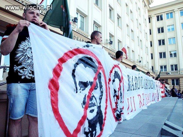 W Rzeszowie domagali się odejścia rządu D.Tuska