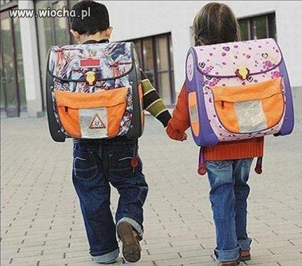 Nauczanie początkowe = Ciężkie życie małego dziecka.. ,