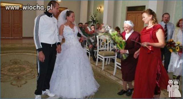 Zatwardziały dresiarz nawet na ślubie
