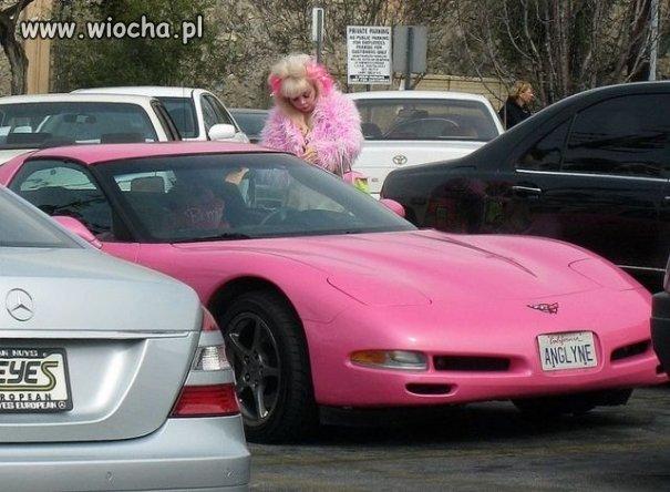 Różowa corvette...