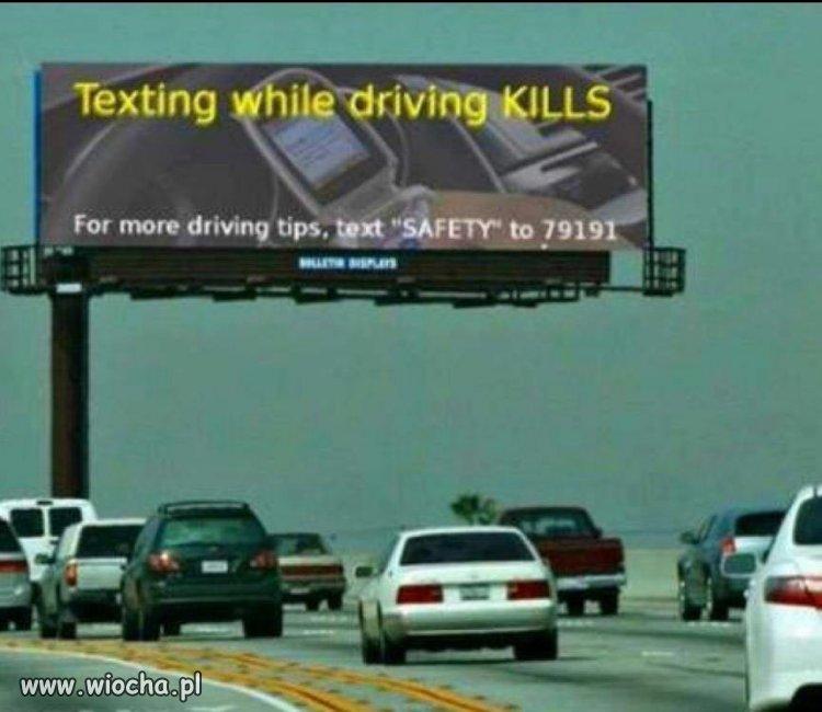 Pisanie smsów podczas jazdy zabija