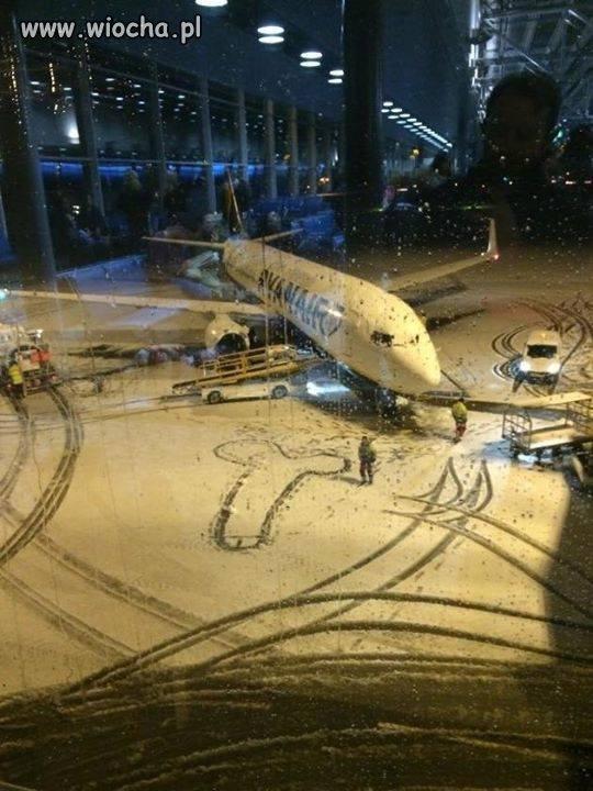 Gdy pracownicy lotniska się nudzą