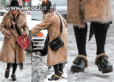 Kto normalny chodzi w zimę w chodakach ?