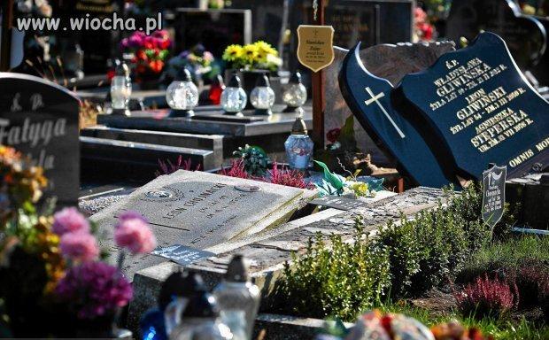 Zniszczone przez wandali groby na cmentarzu