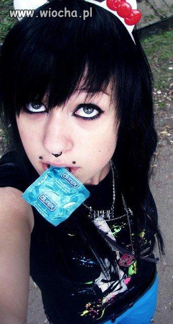 Mam 14 lat i mam sweet focie w uszkach i z durexem