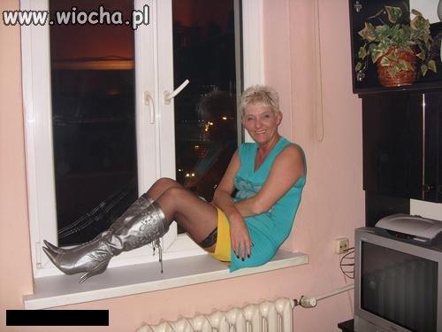 Sexy babcia czeka na swojego dziadziusia...