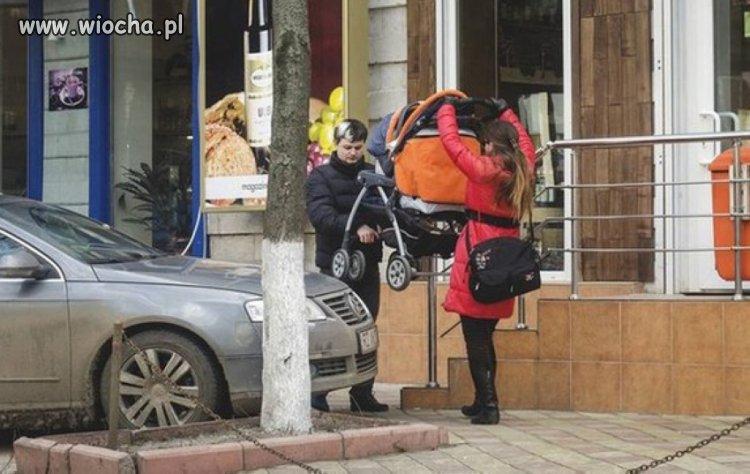 Po masce powinni przejechać tym wózkiem