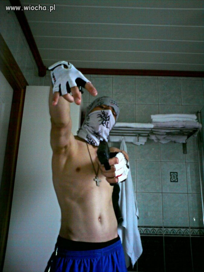 Opis - A im Gangsta man ...