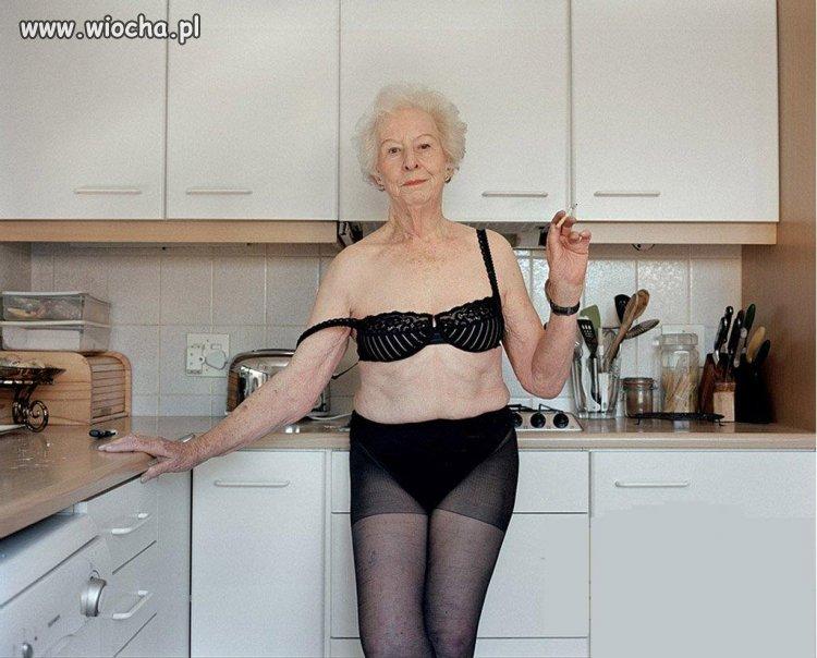 Babcia jest w kuchni...