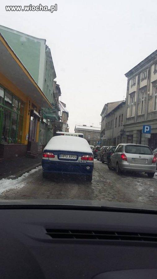 Poruszanie się nieodśnieżonym samochodem - 500 zł.