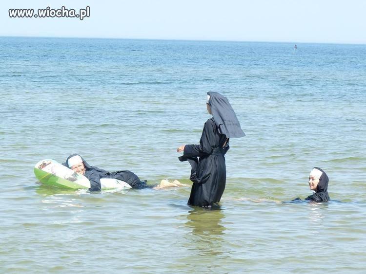 A tymczasem na plaży
