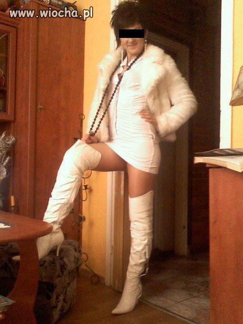 Białe kozaczki to nie moda