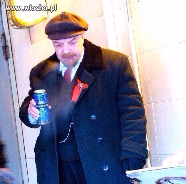 Lenin. Wiecznie żywy wiecznie pijany
