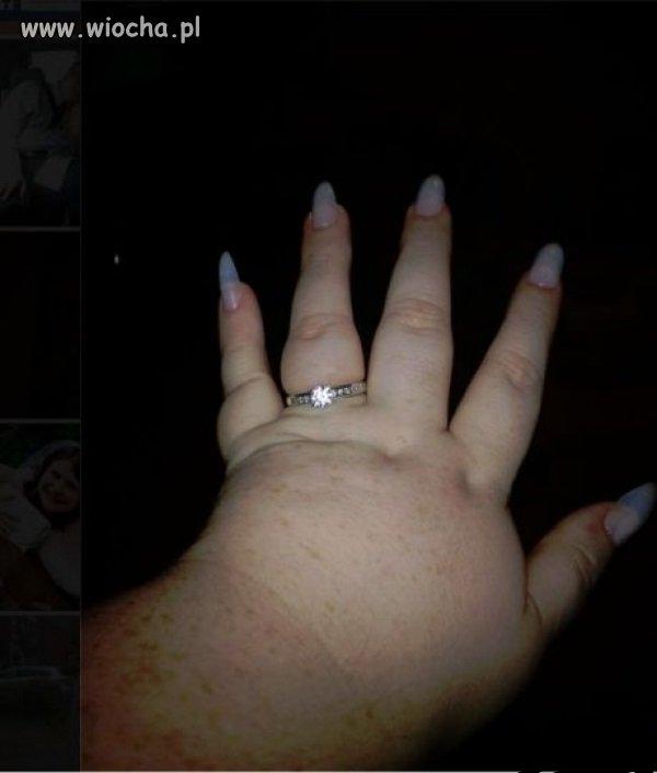 Pierścionek zaręczynowy ...