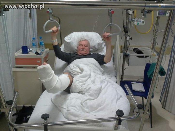 Złamał nogę wychodząc z kościoła, po spowiedzi