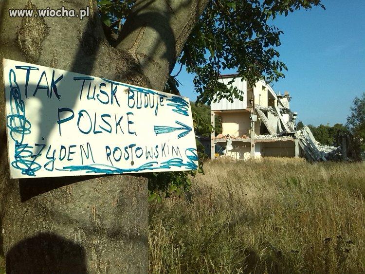 Tak Tusk buduje Polsk�
